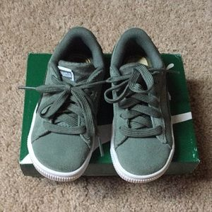 Green and white toddler boy puma sneakers